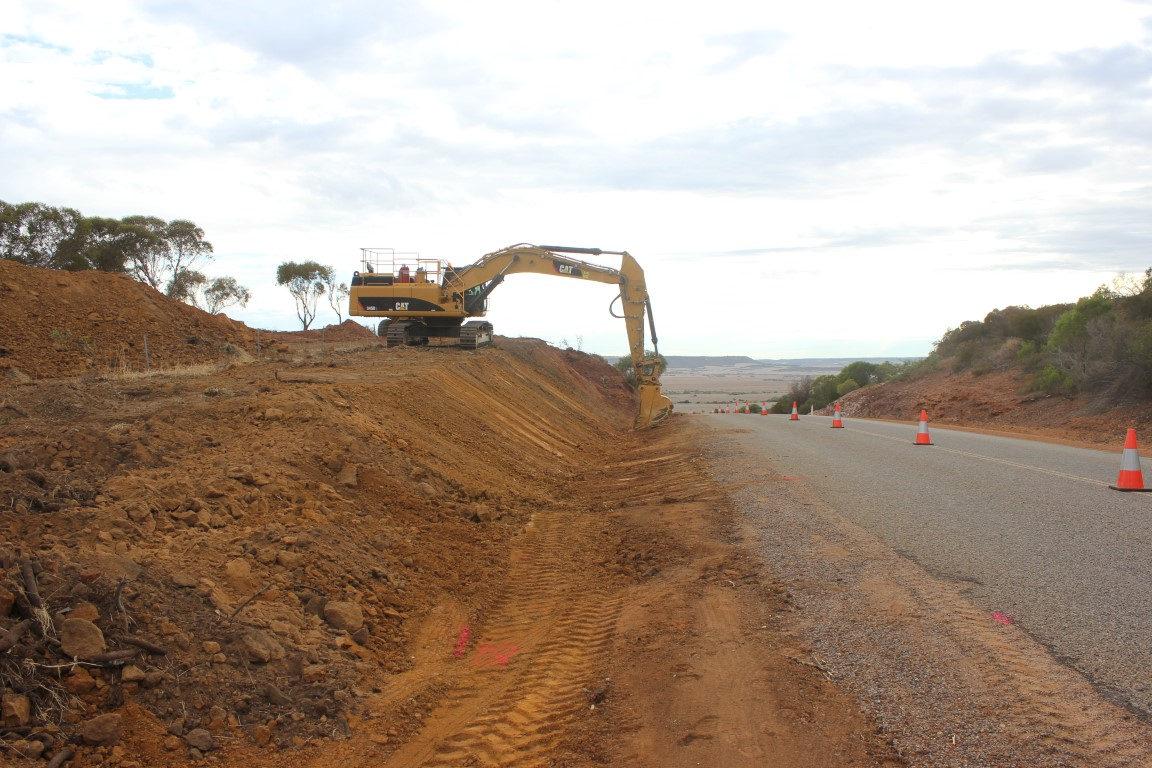 Cutting through Chapman Valley. Resealing road